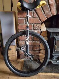 qu-ax Unicycle 24 inch Luxury Black - Used.