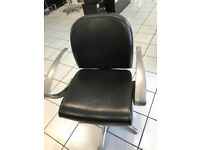 REM EVOLUTION 7 styling chairs 2 basin chairs