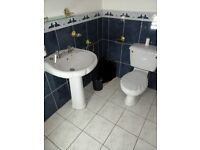 LARGE bathroom sink, pedestal, taps and toilet Very good condition White