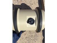 Aquarol fresh water container