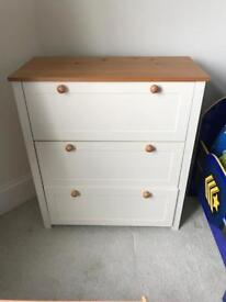 Cot and 2 chest of drawers