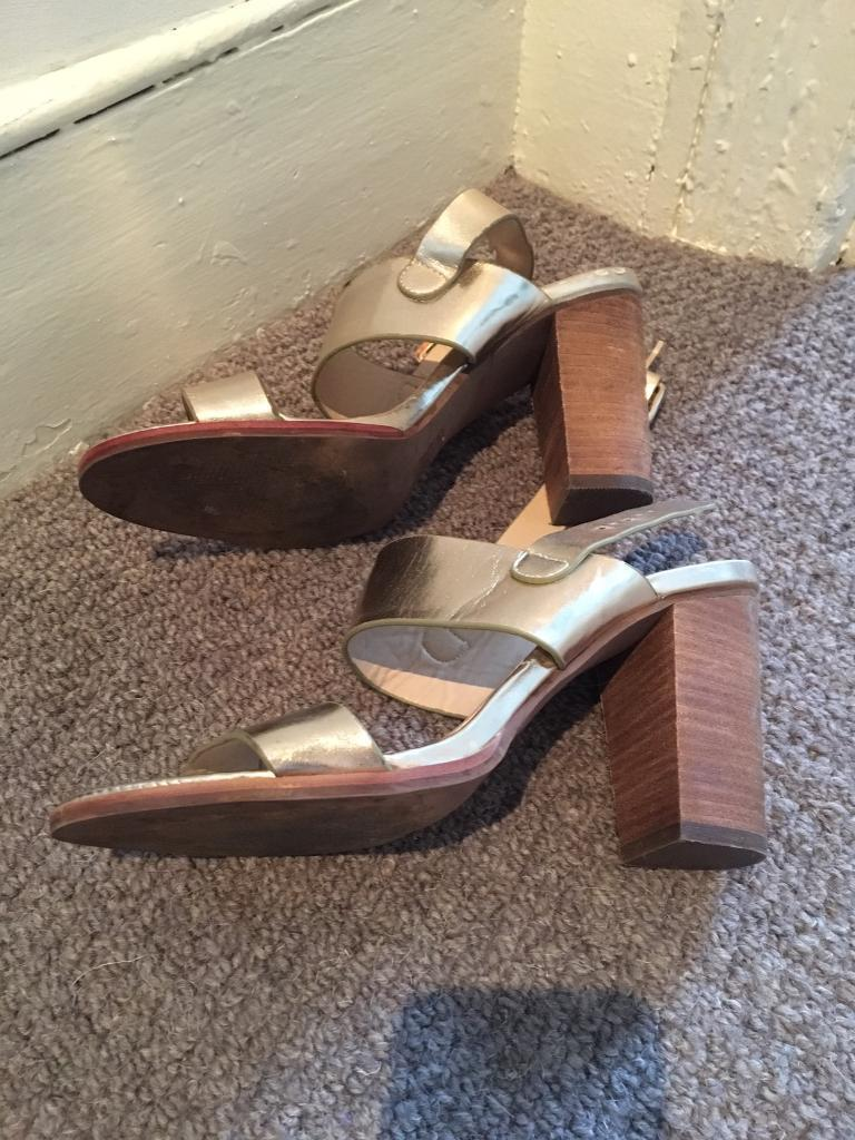 Womens boots and shoes size 5 sold as setin Leytonstone, LondonGumtree - All size 5Selling as a setUsed but reasonable condition FOUR PAIRS TOTAL (eg some pics of same pairs!)