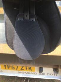 17.5 inch wintec saddle
