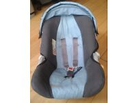Graco Baby Car Seat in good condition and great price.