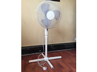 White Oscillating Pedestal Fan (Sale: £15) house clearence/ cheap