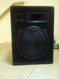 "Pair of PA speakers 800w 15"" bass"