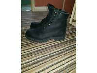 Black timberland nubuck suede boots size 8