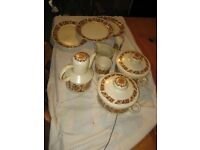 9 pieces of orange Midwinter oven to tableware