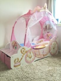 Original Disney Carriage Toddler Bed with Mattreess