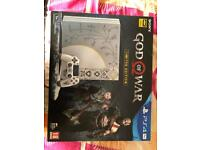 PS4 pro god of war LIMITED EDITION plus THE LAST OF US