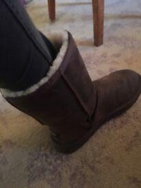 Ugg Australia nubuck leather boots size 7.5