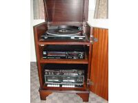 SANYO STEREO RADIO / CASSETTE / CD PLAYER IN MAHOGANY UNIT
