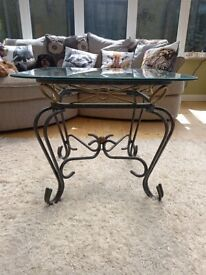 Coffee table/Side table/Lamp table