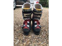 Salomon male ski boots - shoe size 10