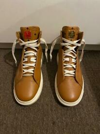 MCM HIGH TOP SNEAKERS - LEATHER