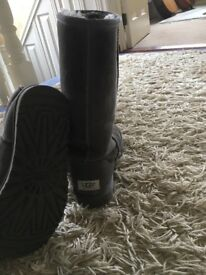 Grey Ugg Boots Excellent condition size 6 Genuine Boots local Hartley