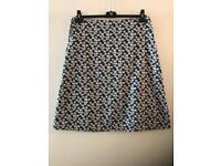SEASALT L ladies 2 in 1 skirt.