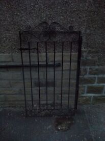 Wrought iron gate in black. £10