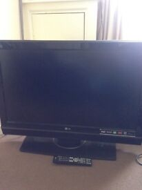 """37"""" LG tv with remote"""