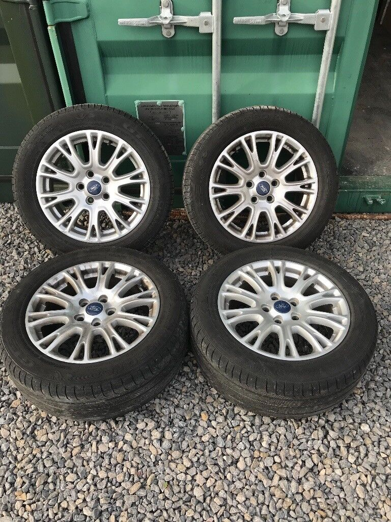 Ford Focus Titnanium Alloy wheel set of 4 215/55ZR16 5stud
