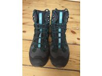 SALOMON 4D 2 GTX WOMEN'S HIKING BOOTS SIZE 40 GREEN (BRAND NEW IN BOX)