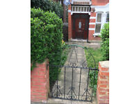 CONVENIENT, BEAUTIFUL, Semi Detached House Tooting 25 mins to City