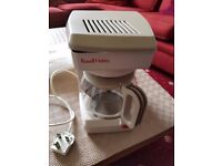 RUSSELL HOBBS COFFEE MAKER - 750W IN GOOD USED CONDITION
