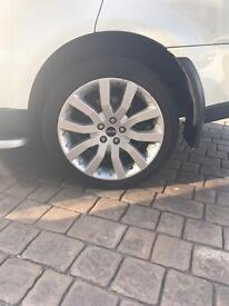 "Range Rover HSE 20"" Alloy wheels with tyres"
