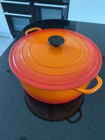 Large Le Creuset casserole dish.