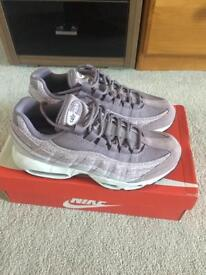 Brand new Nike air max trainers