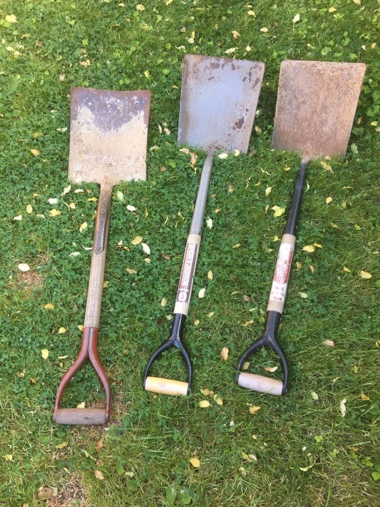 **GARDEN TOOLS**SHOVELS**£5 EACH**BARGAIN!!!