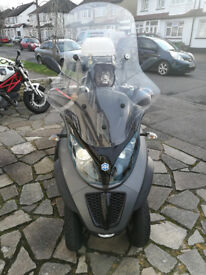 Low Milage Piaggio MP3 500 LT - Ride on a car licence