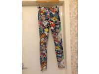 *BARGAIN * HOUSE CLEARANCE * happy pop art colage colorfull leggins comics M