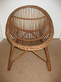 FABULOUS CHILDS WICKER CHAIR - great for any small child approx 1-7 years! BEAUTIFUL! £40+ Amazon