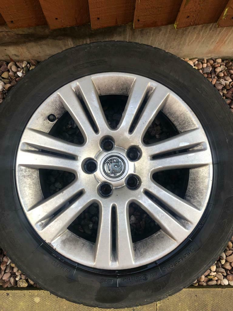 Vauxhall Astra Zafira Alloy Wheel In Ardwick Manchester