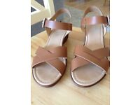 Ladies Leather Sandals Worn Once. Soleflex comfort leather sandals with low wedge heel, size 6.