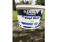 5+ Litres Dulux vinyl matt emulsion paint - colour white