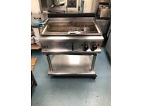 Heavy duty lincat chrom top flat- plate burger/ steak natural gas griddle is nice and clean