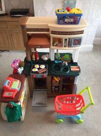 Step 2 toy kitchen/cafe