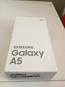 Brand New Open Box Samsung Galaxy A5 32gb Black/Sky Blue Unlocked in Box