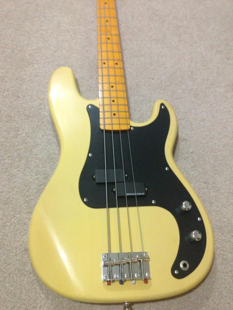 L.M.S.P Bass guitar