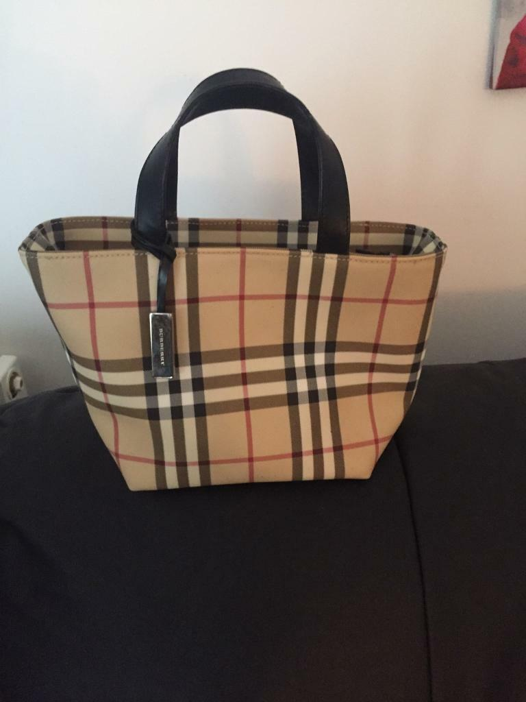 ca4b729d9c62 Brand new Burberry bag