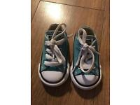 Like new toddler size 3 converse