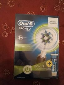Oral B Pro 650 Electric Toothbrush