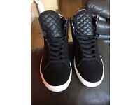 Mens size 9 hi tops