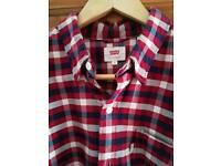 Levi mens check shirt medium