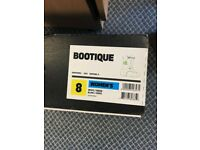 Burton Ladies Snowboard Boots Bootique, White and Green Size 8