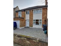5 Bedrooms House , 2 Sep Toilets **TO LET** Newly Renovated