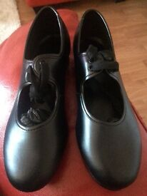 Brand New Tap Shoes Size 13