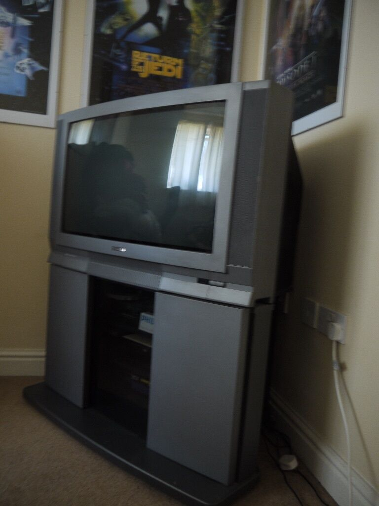 TOSHIBA Television CRT TV 32 Inch Excellent Condition